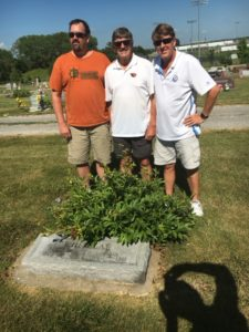 Jeff, John, and John Whitelaw, DeSoto, Kansas, gravesite of John and Bertha Whitelaw, 2016