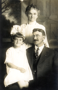 Alvis Love with her grandparents Florence Beach and William Henry Goulet, Woodburn, 1916.