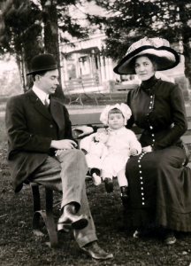 Olin, Alvis, and Mabel Love, Woodburn, Oregon, 1912